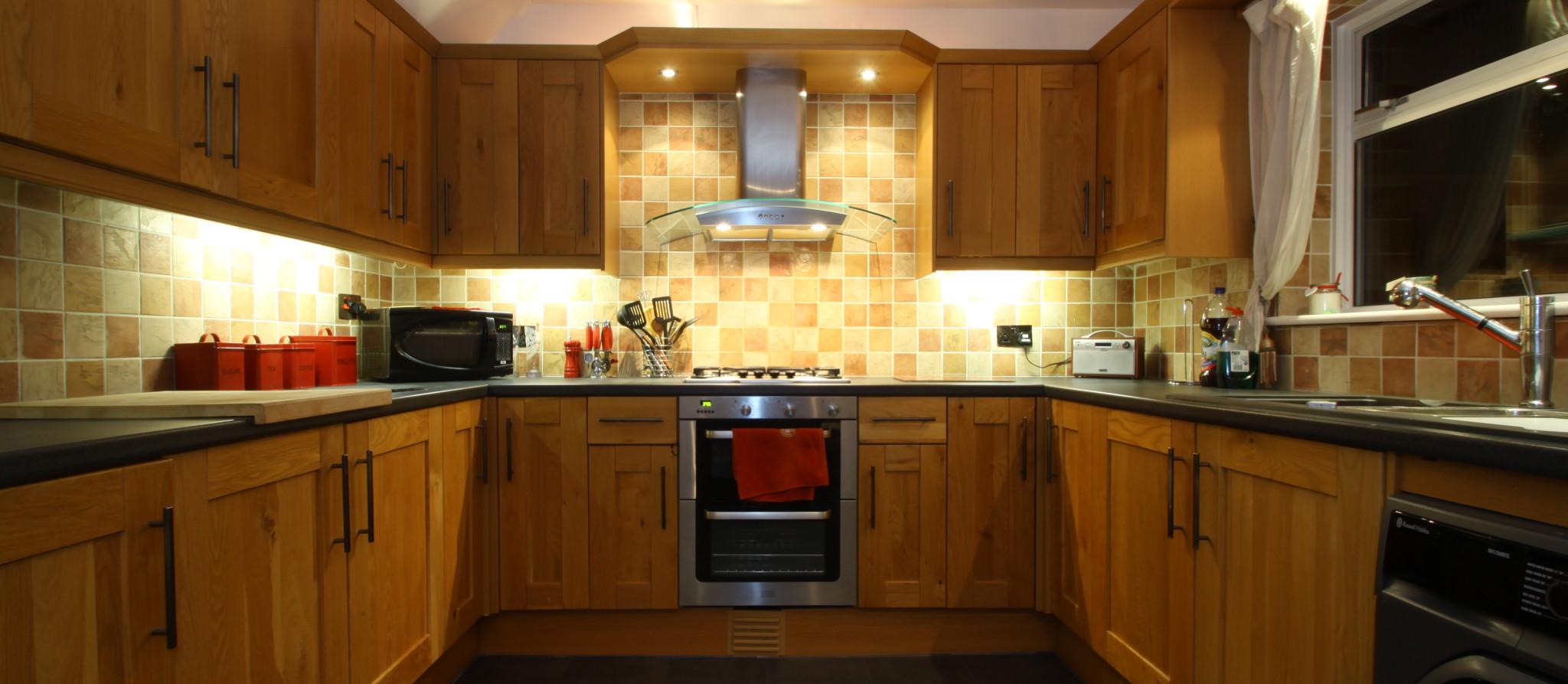 Bespoke farmhouse style kitchen kreative interior for Kitchen designs 3m x 4m
